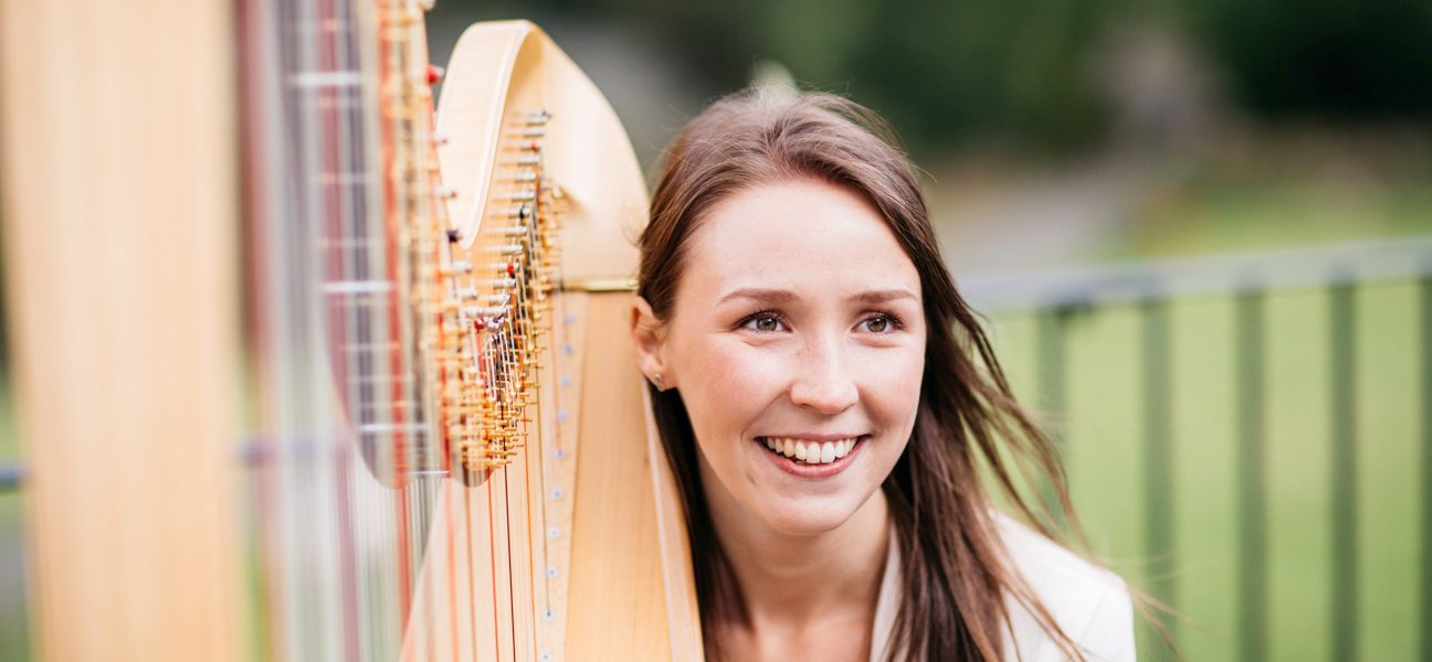 Elle Harpist